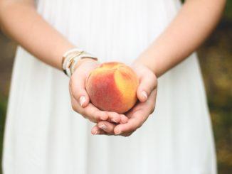 peach-698592_1280